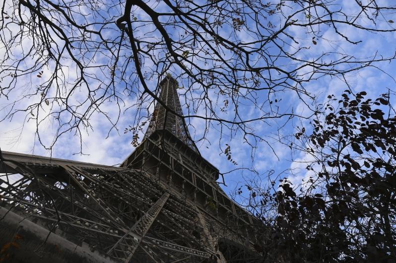 Fridja Eiffel Tower Catwalk Show 20140006