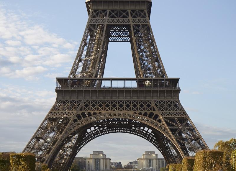 Fridja Eiffel Tower Catwalk Show 20140011