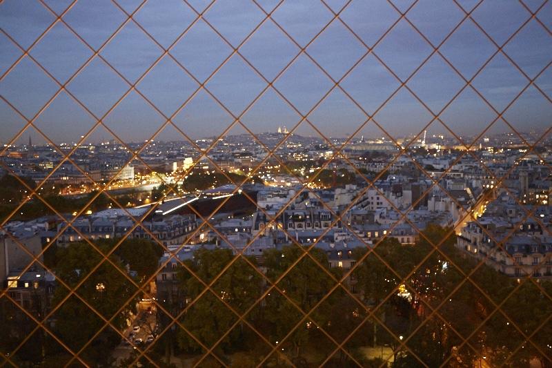Fridja Eiffel Tower Catwalk Show 20140016