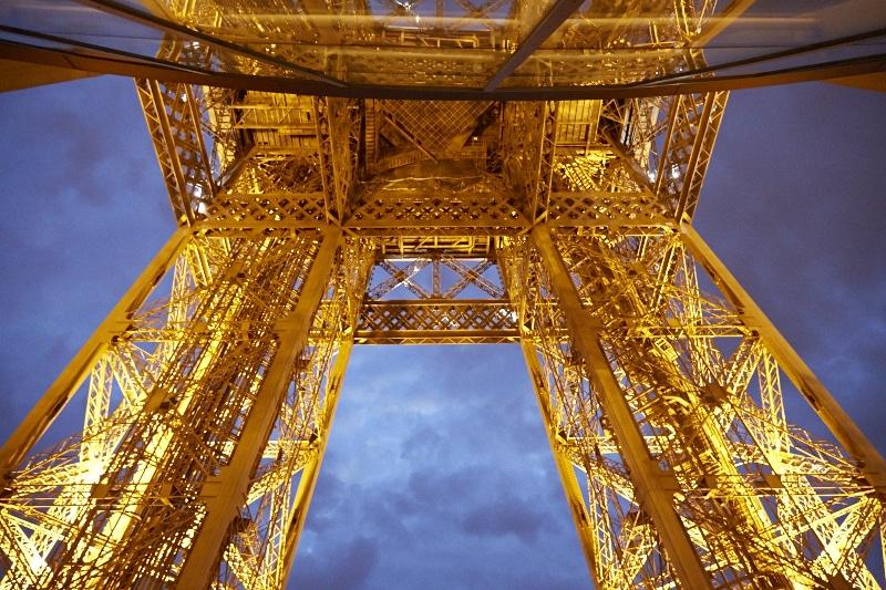 Fridja Eiffel Tower Catwalk Show 20140022