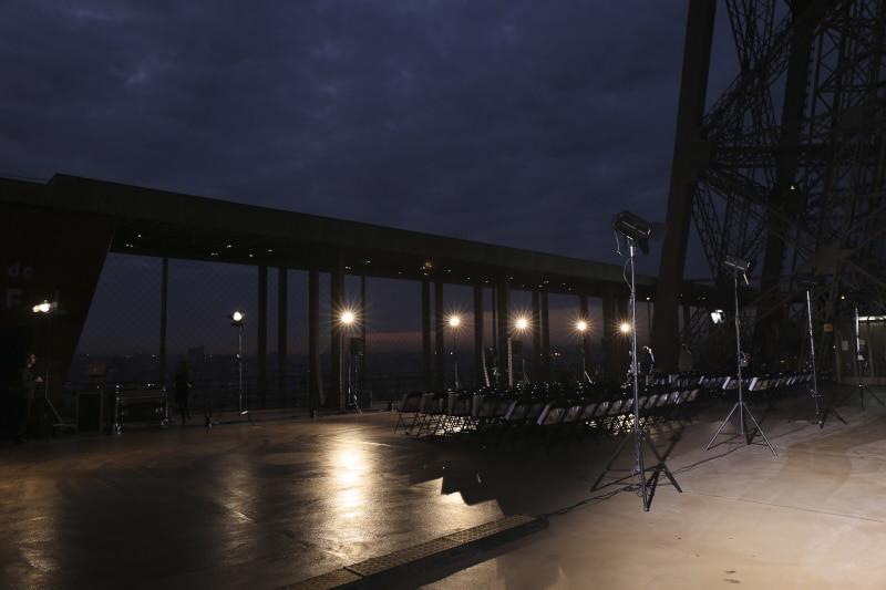 Fridja Eiffel Tower Catwalk Show 20140026