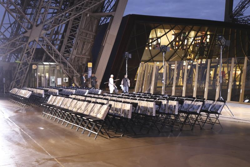Fridja Eiffel Tower Catwalk Show 20140029