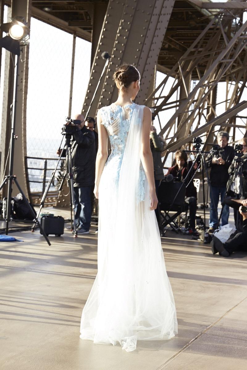 Fridja Eiffel Tower Catwalk Show 20140037