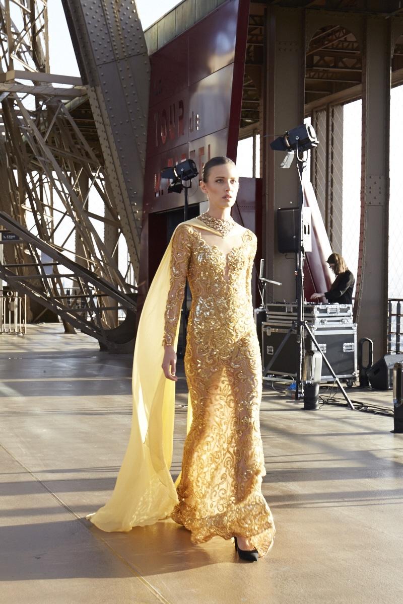 Fridja Eiffel Tower Catwalk Show 20140038