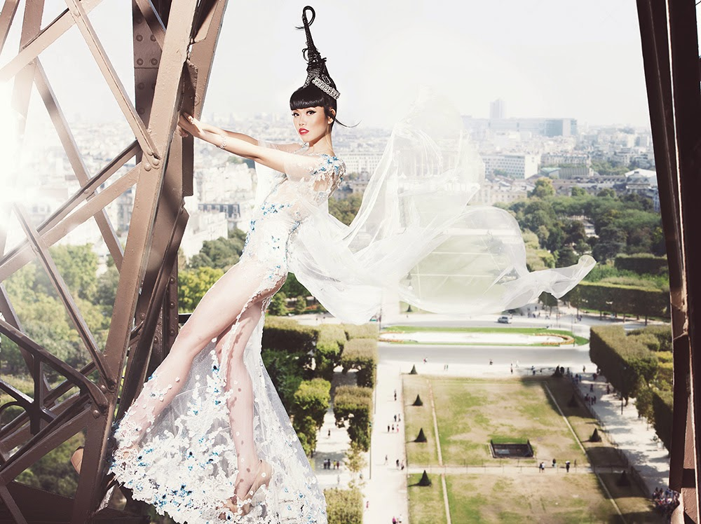 (Official Photo) J Autumn Fashion Show 2014 on the Eiffel Tower – produced by Jessica Minh Anh