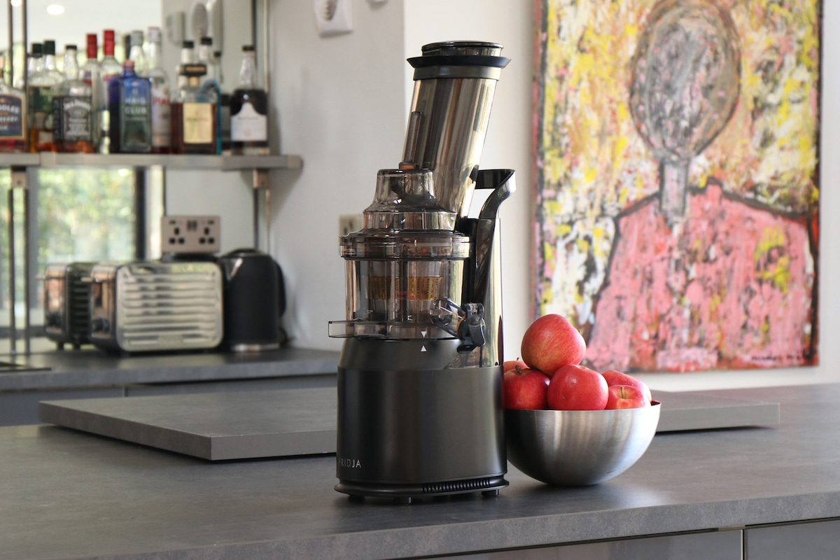 Whole Fruit Cold Pressed Slow Juicer In Stainless Steel : Fridja f1900 Cold Pressed Whole Fruit Juicer in Matte Black