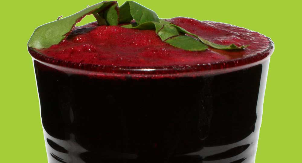 Apple, Beet Greens, Beetroot, Pear and Strawberry Juice Recipe