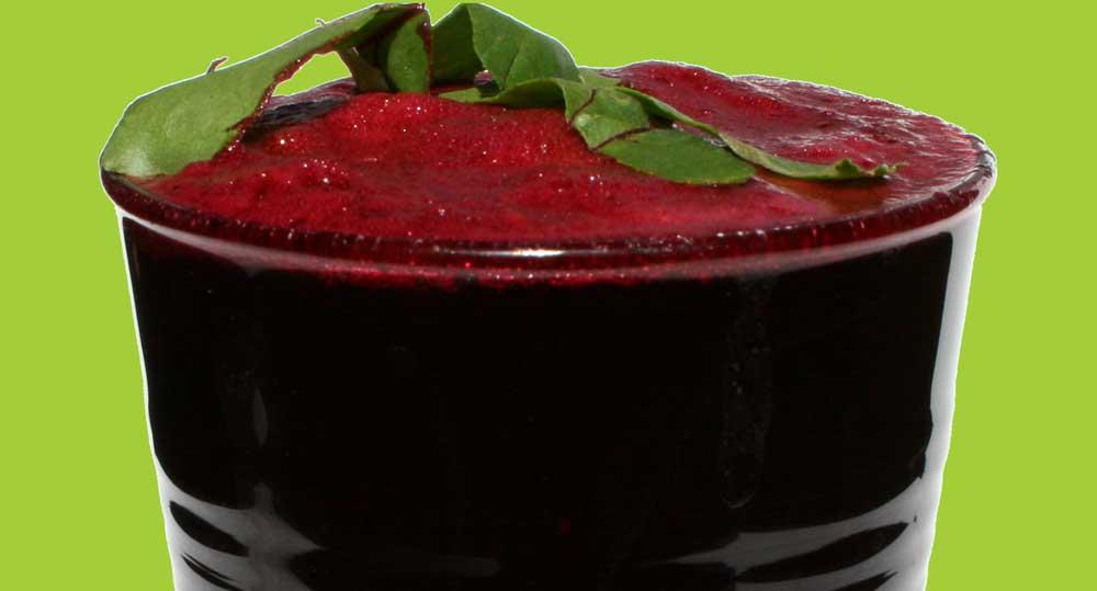 Apple-Beet-Greens-Beetroot-Pear-Strawberry